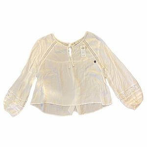 Hollister White Boho Cropped Bell Sleeve Top Sz L
